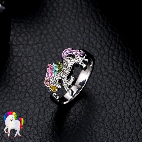 Ensemble de Bijoux Licorne arc-en-ciel Bague sur du cuir