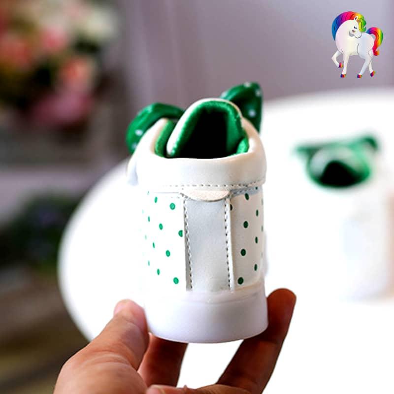 Baskets lumineuses pour filles blanche vue du talon